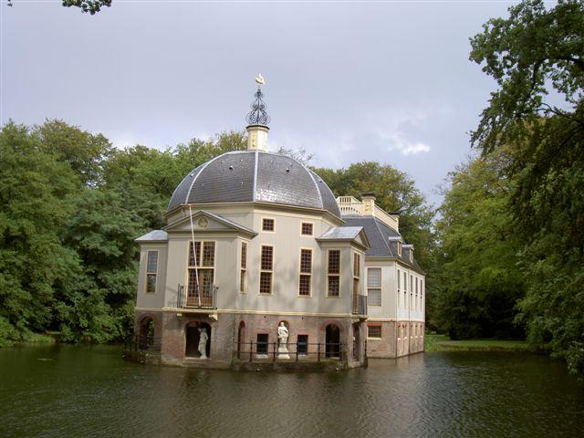 http://www.theracoppens.nl/images/trompenmbur.jpg